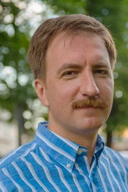 Доктор-онколог Исаев Юрий Викторович